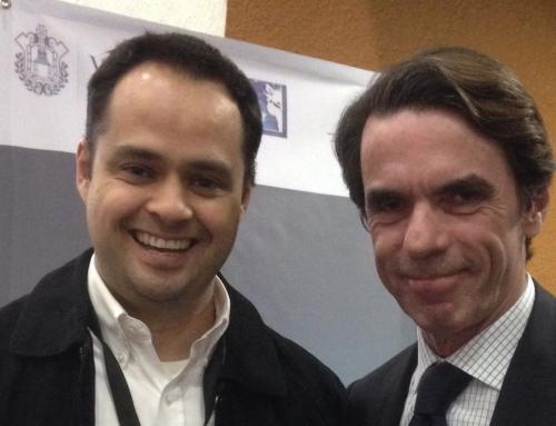 Interpretando para José María Aznar ex-presidente de España
